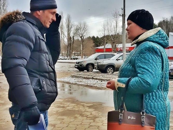 Общение с прохожими в Жирновске