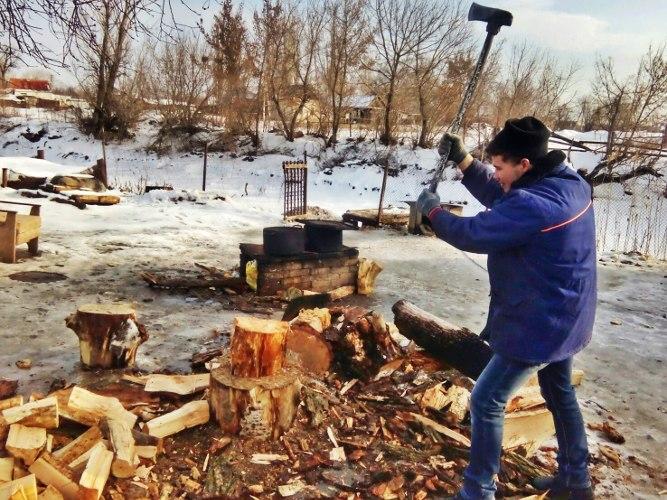 Помощь в заготовке дров для ребцентра в Суходоле