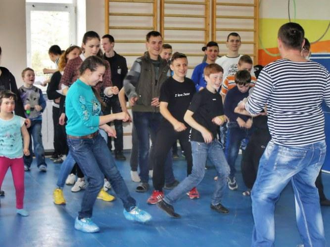 Проведение спортивных игр в детском доме Котово