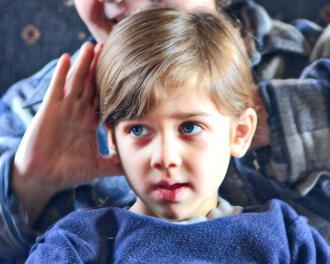 Стрижка ребёнка и направление чёлки