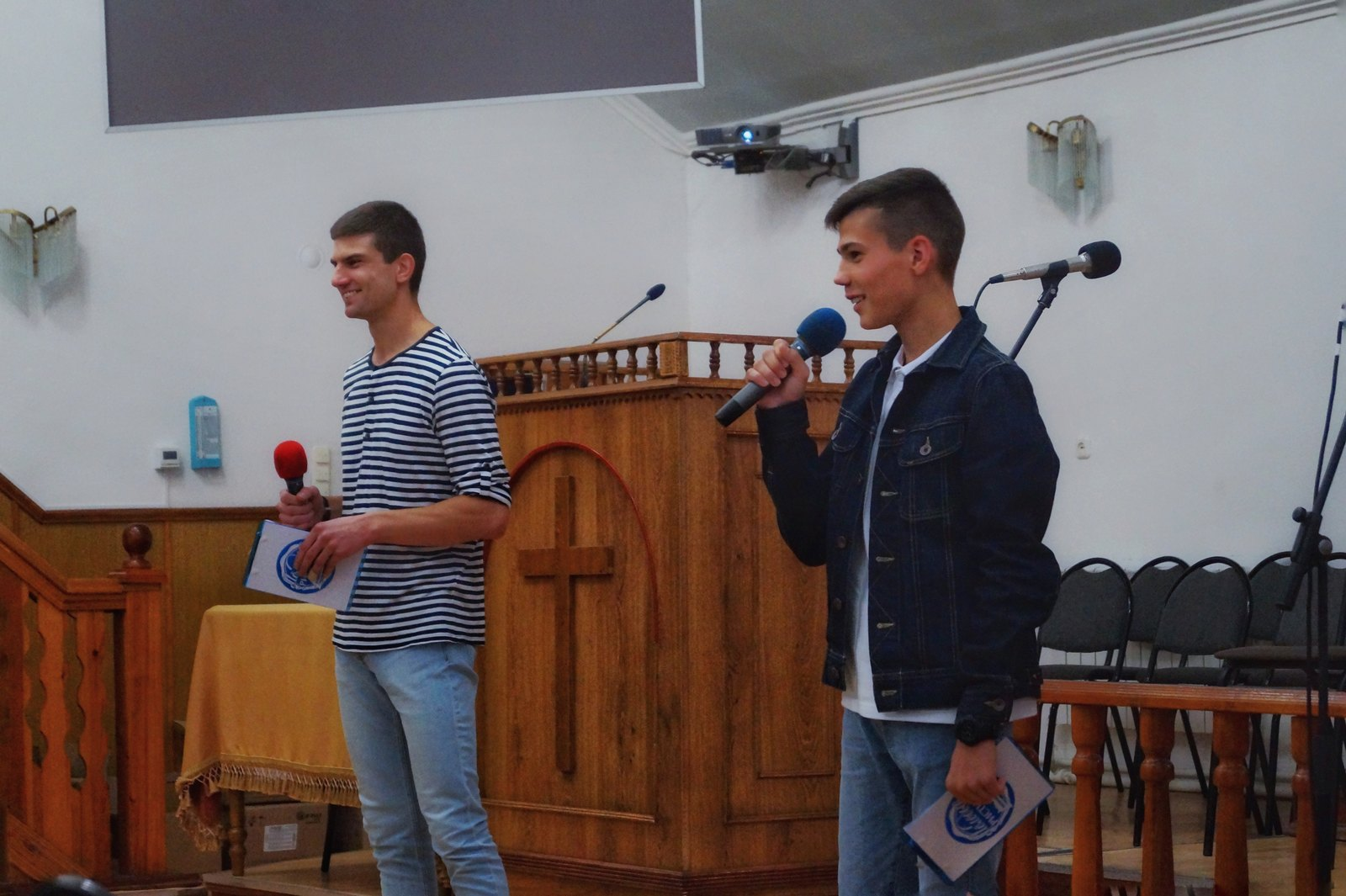 Ведущие Антон Кистян и Марк Назаркин