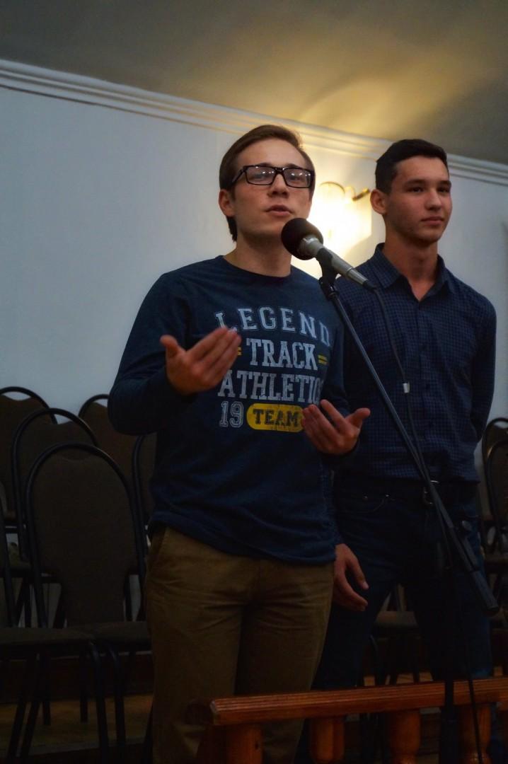 Евгений Умаров рассказывает Евангелие