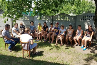 Лагерь для детей в церквях Донбасса