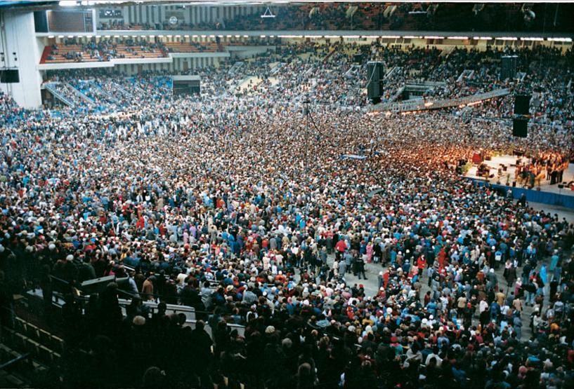 Проповедь Билли Грэма в спорткомплексе Олимпийский 1992