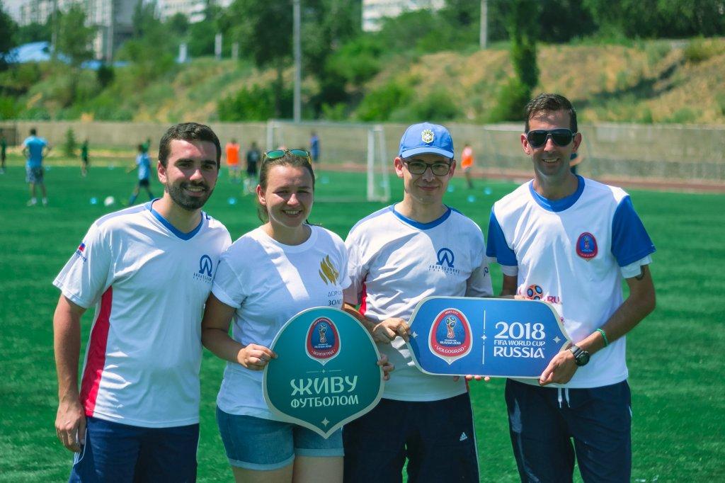 Профессиональные футболисты из Бразилии и Уругвая