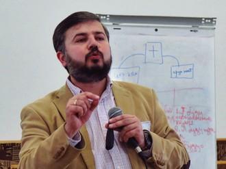 Амир Усмонов