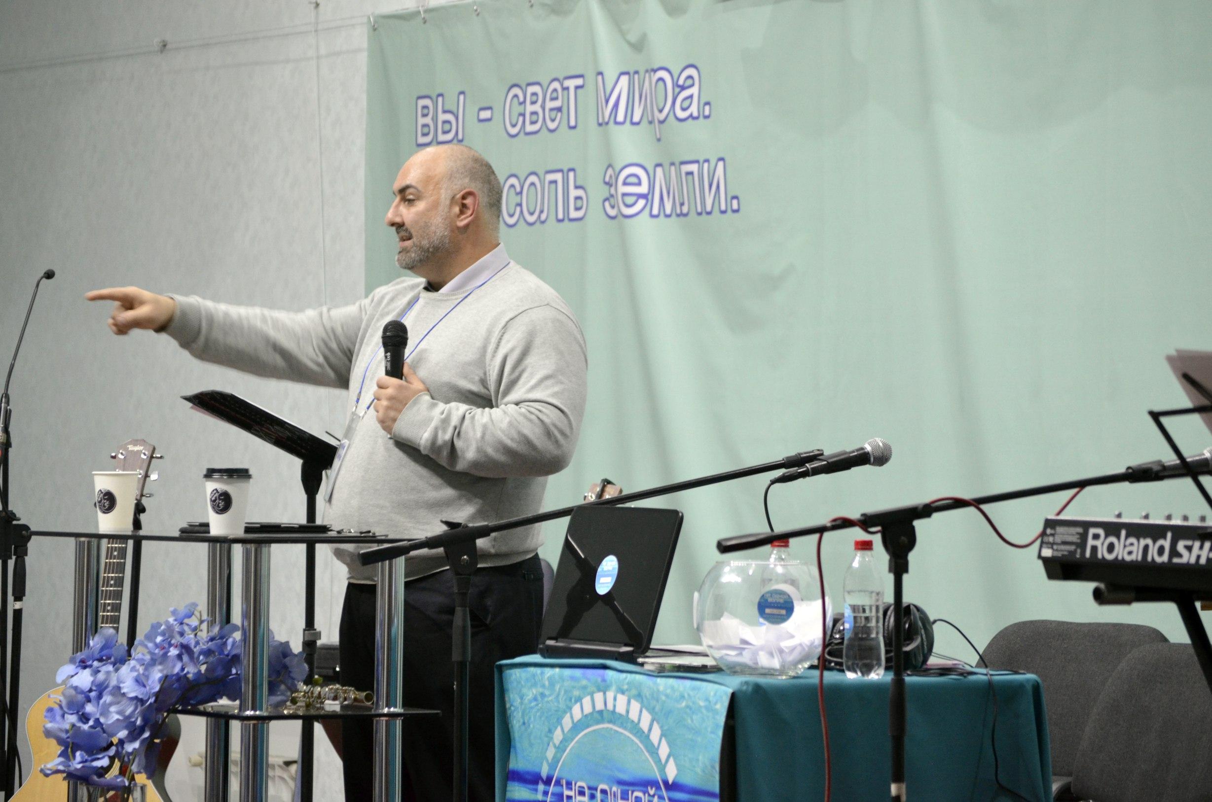 Проповедник Сослан Ботиев